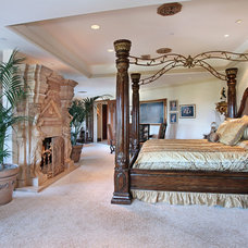 traditional bedroom by PR Construction
