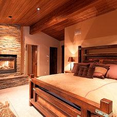 Rustic Bedroom by Griggs Custom Homes, Inc