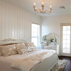 Traditional Bedroom by Kiella Homebuilders