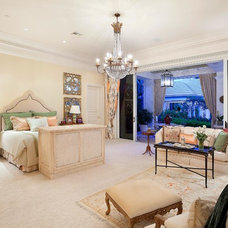 Traditional Bedroom by ibi designs