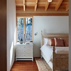 Contemporary Bedroom by jones | haydu