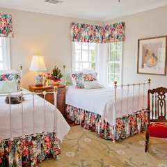 traditional bedroom by English Heritage Homes of Texas