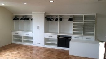 Lakewood Built-In Wardrobe Closet
