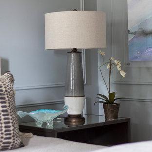 Bedroom - transitional bedroom idea in New York