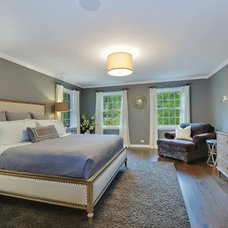 Contemporary Bedroom by Staging North Shore
