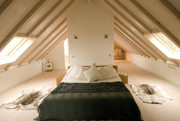 Contemporary Bedroom by JAMIE FALLA ARCHITECTURE