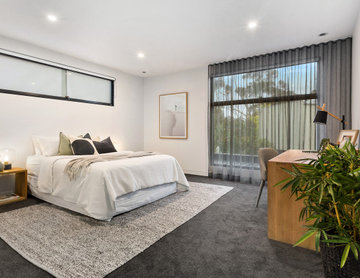 Light and Bright Home in Brighton East