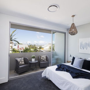 Inspiration for a mid-sized contemporary bedroom in Sydney.