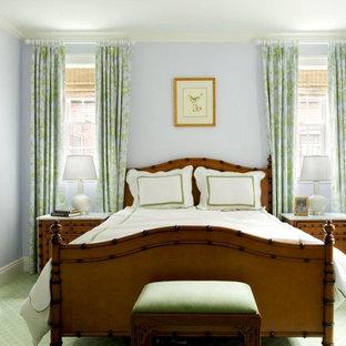Diseño de habitación de invitados tradicional, de tamaño medio, sin chimenea, con paredes grises, moqueta y suelo verde