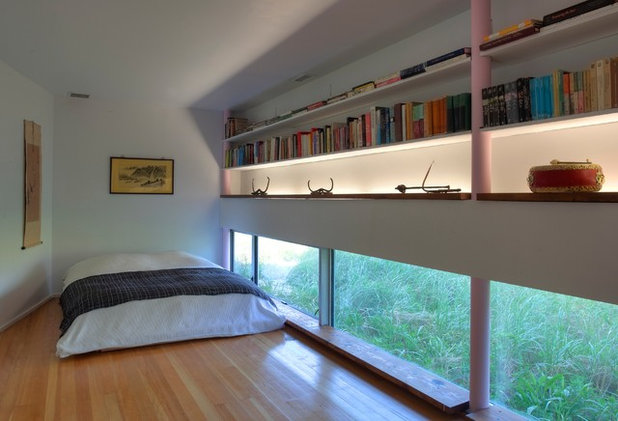 Contemporary Bedroom by David Ling Architect