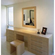 Modern Bedroom by Lisa Dubin Architect