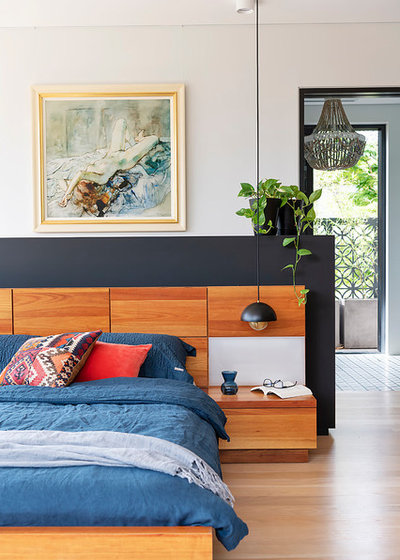 Contemporary Bedroom by Suzanne Hunt Architect