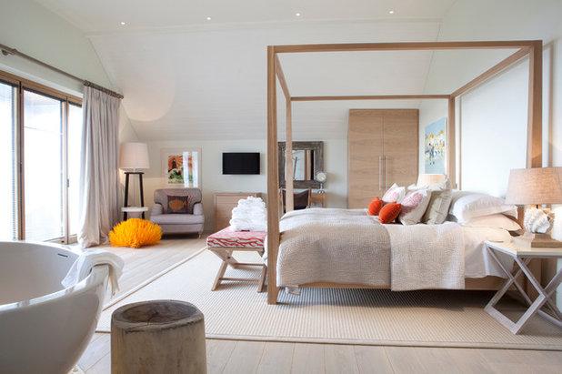 Скандинавский Спальня by Cornish Interiors