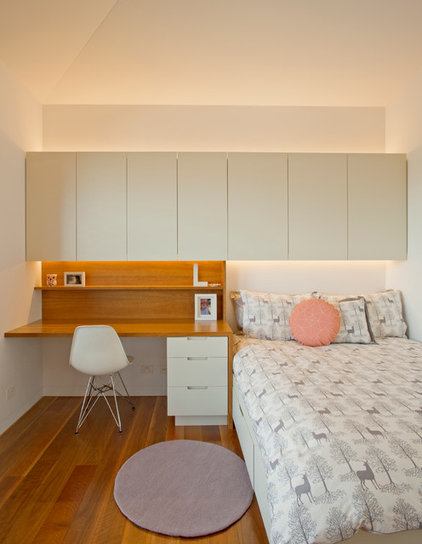 Contemporary Bedroom by Richard Cole Architecture