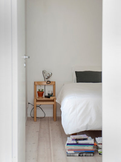 Contemporaneo Camera da Letto by Skälsö Arkitekter