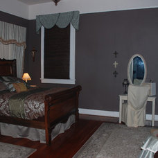 Traditional Bedroom Living Room