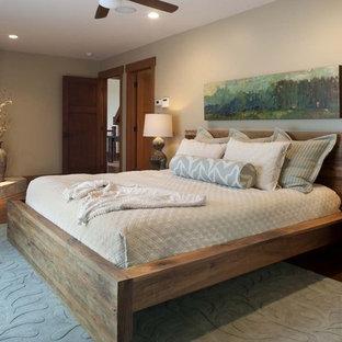 Foto på ett funkis sovrum, med en öppen hörnspis