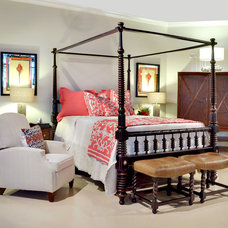 Traditional Bedroom by Muni Designs