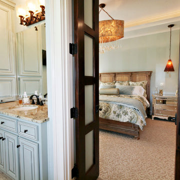 Lodge Inspired Residence - Master Bedroom with Ensuite