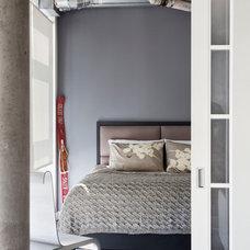 Modern Bedroom by Rad Design Inc