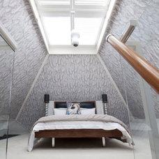 Modern Bedroom by Walk Interior Design Limited