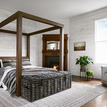 Loft Bedroom with Canopy Bed Design