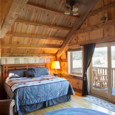 Traditional Bedroom by Sand Creek Post & Beam