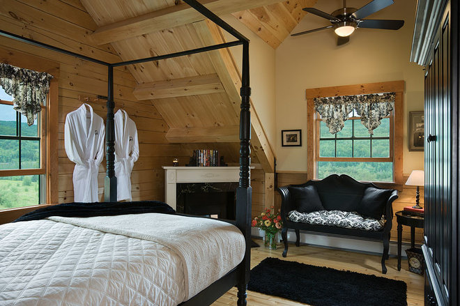 Rustic Bedroom by Coventry Log Homes