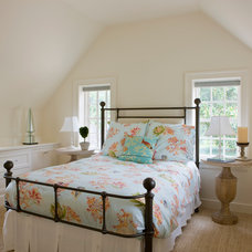 Traditional Bedroom by Neumann Lewis Buchanan Architects