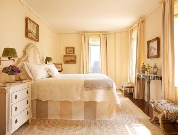 Классический Спальня by James Wagman Architect, LLC