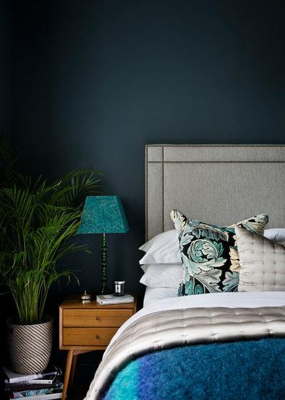 コンテンポラリー 寝室 by Shanade McAllister-Fisher Interior Design