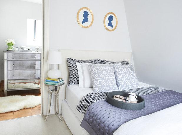 トランジショナル 寝室 by Sasha Meredith Designs