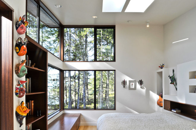 Contemporary Bedroom by David Vandervort Architects