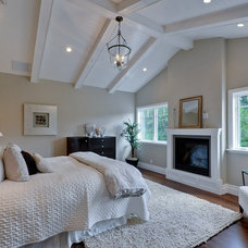 Craftsman Bedroom by Mason Hammer Builders, Inc
