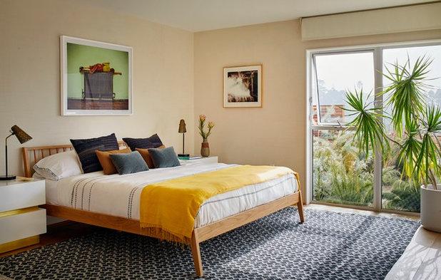 Midcentury Bedroom by Carter Design
