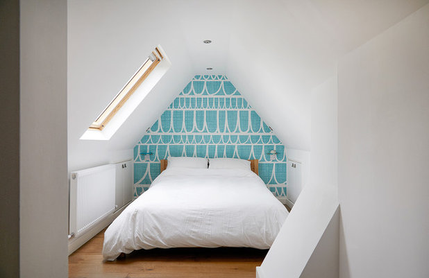 Contemporary Bedroom by James Kay Architects Ltd.