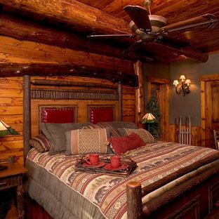 This is an example of a traditional bedroom in Minneapolis.