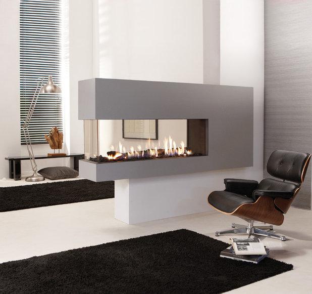 Midcentury Bedroom by European Home