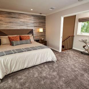 На фото: спальня среднего размера в стиле современная классика с бежевыми стенами, полом из известняка и бежевым полом