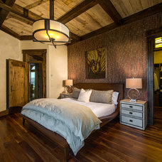 Rustic Bedroom by Martin Manley Architects