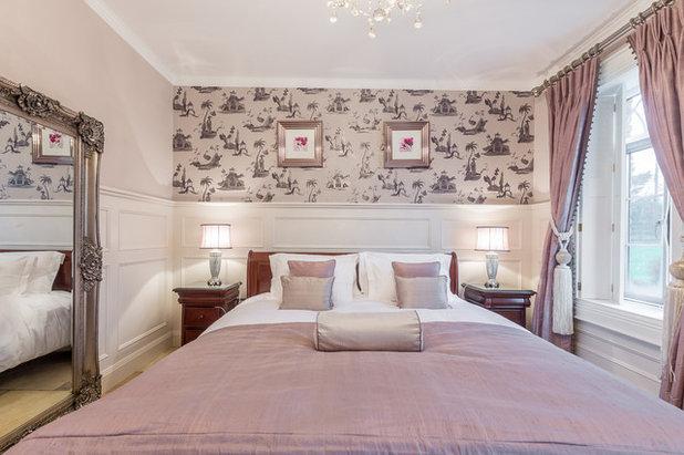 Molduras y papel pintado un t ndem ganador para decorar for Papel pintado para dormitorios