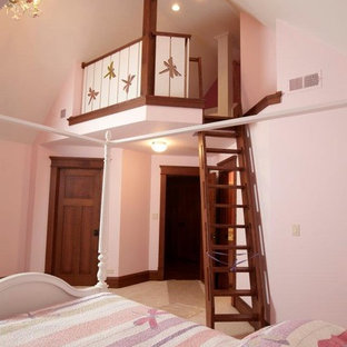 Large traditional loft-style bedroom in Chicago with pink walls, carpet and no fireplace.
