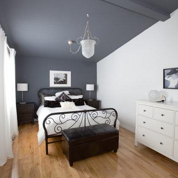 Lynda's bedroom