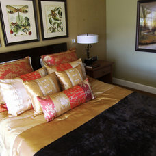 Traditional Bedroom by m.a.p. interiors inc. / Sylvia Beez