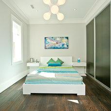 Contemporary Bedroom by Geometra Design Ltd.