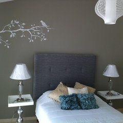 contemporary bedroom by M+S arquitectura-interiorismo