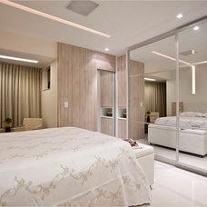 Contemporary Bedroom by Vanja Maia - Arquitetura e Design de Interiores