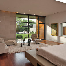 Modern Bedroom by Benjamin Hill Photography