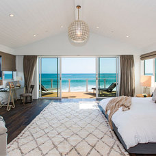 Beach Style Bedroom by Tobias Architecture
