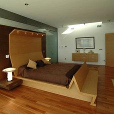 Modern Bedroom by Jay Vanos Architects
